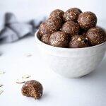 Pähkinä-taatelienergiapallot