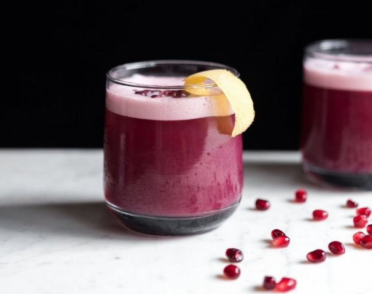 Granatäpple och Whisky cocktail