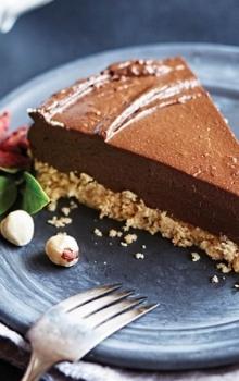 Vegaaninen Avokado-Suklaakakku